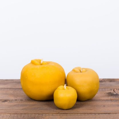 Свеча «Яблоко», средняя