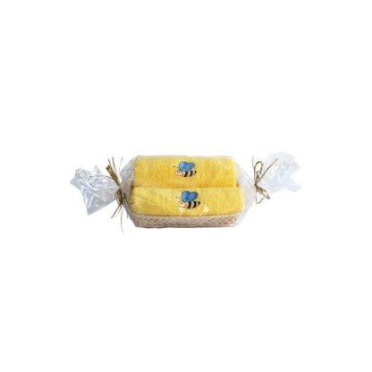 Набор полотенец с вышивкой в корзинке